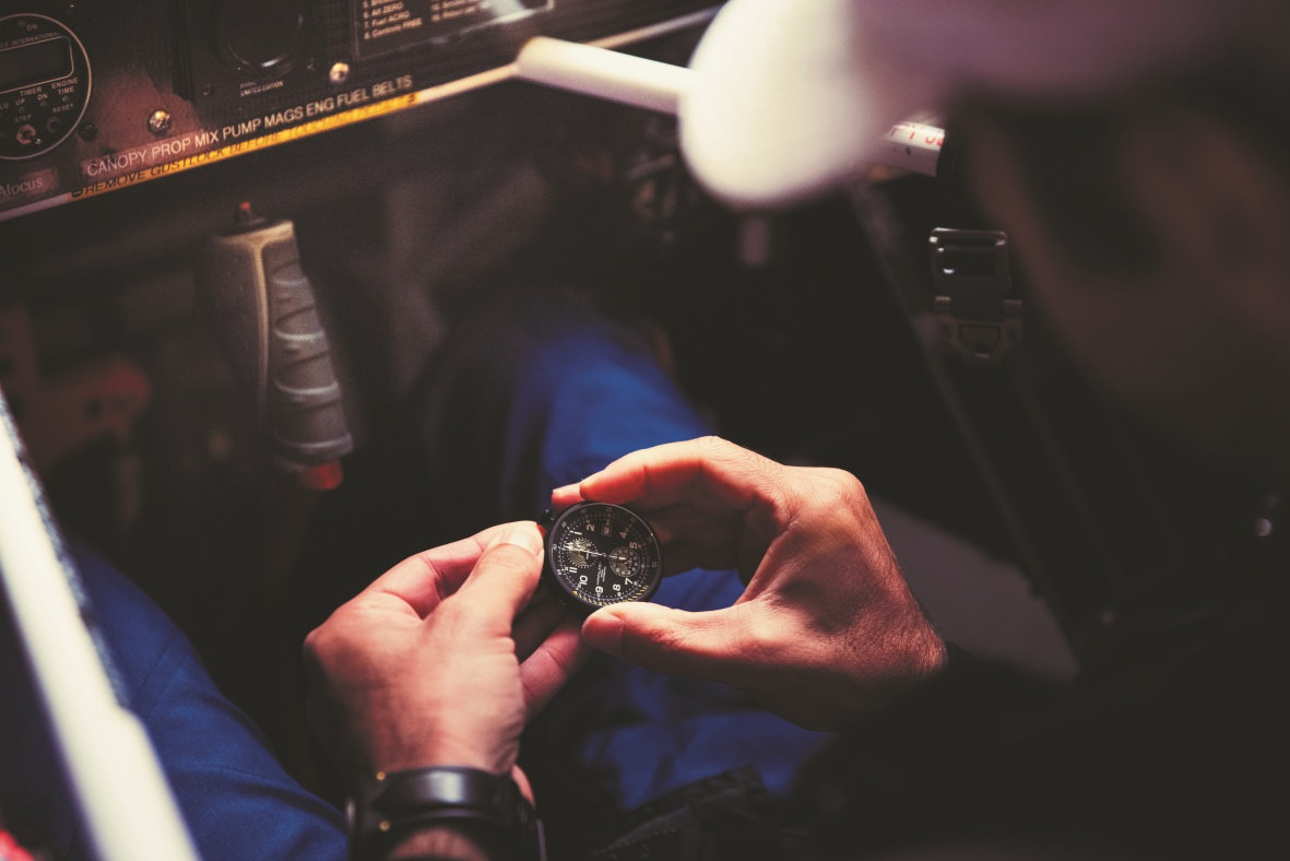 Dario Costa mit der Hamilton Khaki Aviation Takeoff Automatic Chronograph 46 mm - Photo © HAMILTON